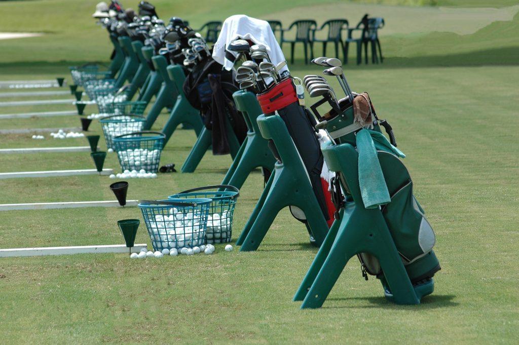 golf-clubs-1633748_1920